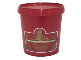 Kevin Bacon's Original Hoof Dressing contains completely natural ingredients. It is beneficial all year round, providing moisture for dry hooves in summer & protecting hooves from becoming saturated with water in wet winters.